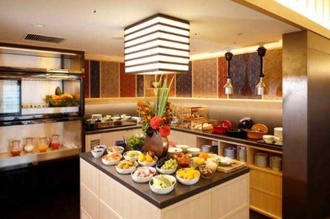 Room, Property, Meal, Interior design, Breakfast, Countertop, Brunch, Building, Food, Cuisine,