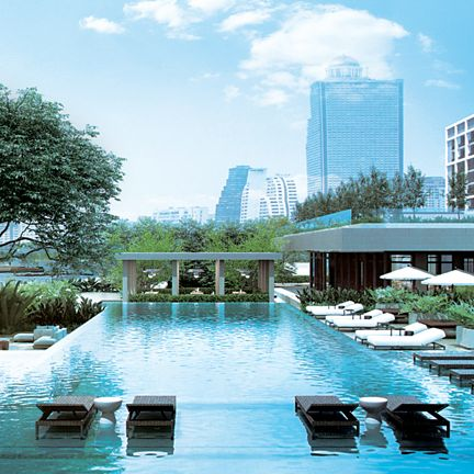 Swimming pool, Property, Building, Condominium, Real estate, Architecture, Resort, Mixed-use, Leisure, Reflecting pool,