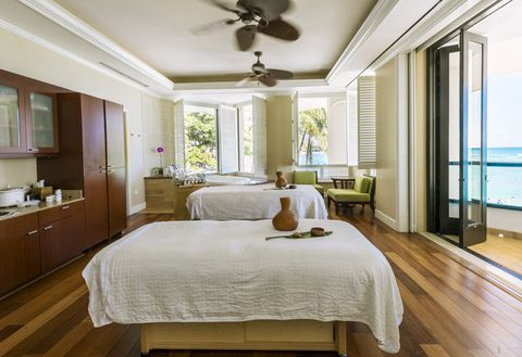 Bedroom, Furniture, Room, Ceiling, Property, Interior design, Bed, Bed frame, Floor, Wood flooring,
