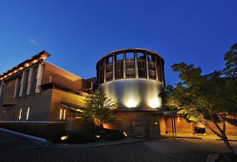 Architecture, Sky, Landmark, House, Light, Building, Night, Home, Lighting, Real estate,