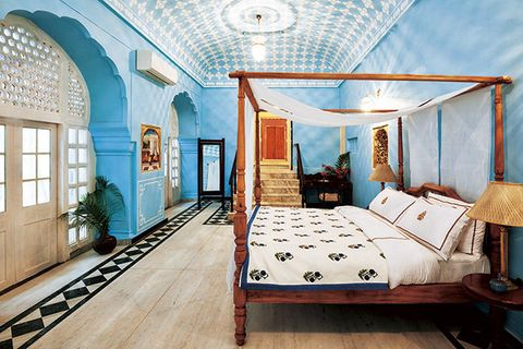 Ceiling, Room, Furniture, Bed, Bedroom, Property, Canopy bed, Interior design, Bed frame, Building,