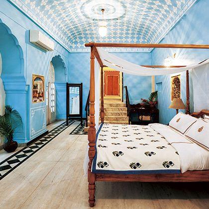 Ceiling, Room, Bed, Furniture, Interior design, Property, Canopy bed, Bedroom, Building, Bed frame,