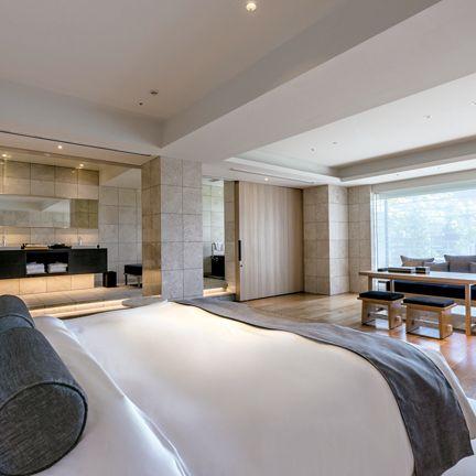 Bedroom, Room, Furniture, Property, Interior design, Bed, Suite, Building, Bed frame, Ceiling,