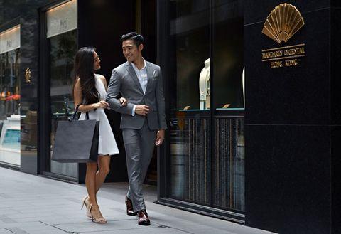 Suit, Street fashion, Fashion, Formal wear, Snapshot, Dress, Footwear, Dress shirt, White-collar worker, Photography,