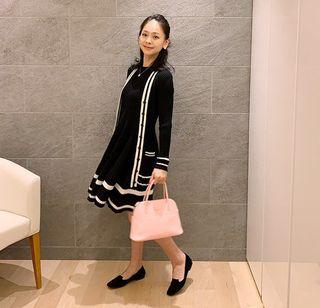 Clothing, Black, Shoulder, Fashion model, Outerwear, Fashion, Street fashion, Neck, Sleeve, Leg,