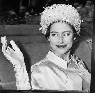 女王 若い 頃 エリザベス