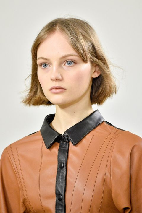 Hair, Blond, Hairstyle, Collar, Beauty, Fashion, Neck, Brown hair, Blouse, Leather,