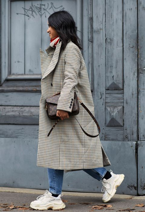 Clothing, Street fashion, Fashion, Coat, Snapshot, Outerwear, Footwear, Tartan, Shoe, Beige,