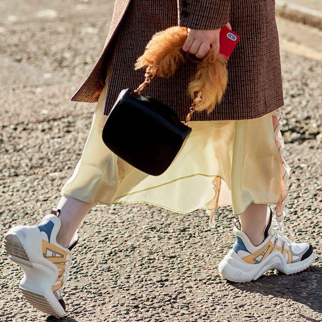 Street fashion, Footwear, Joint, Leg, Fashion, Shoe, Human leg, Ankle, Knee, Costume,