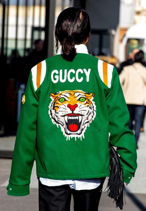 Clothing, Green, Sleeve, Long-sleeved t-shirt, Outerwear, T-shirt, Jacket, Hoodie, Sportswear, Jersey,
