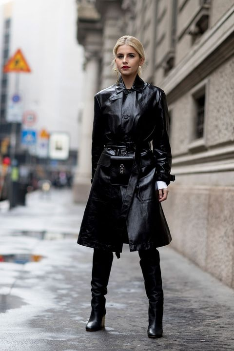 Clothing, Fashion model, Street fashion, Fashion, Coat, Overcoat, Outerwear, Trench coat, Leather, Footwear,