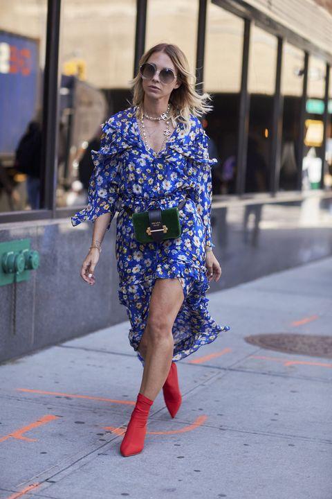 Cobalt blue, Blue, Street fashion, Electric blue, Clothing, Fashion, Shoulder, Footwear, Dress, Snapshot,