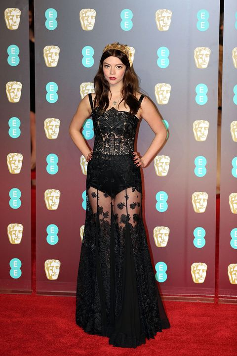 Red carpet, Carpet, Clothing, Dress, Fashion model, Gown, Flooring, Fashion, Formal wear, Haute couture,