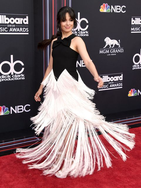Red carpet, Carpet, Clothing, Shoulder, Dress, Flooring, Hairstyle, Premiere, Gown, Event,