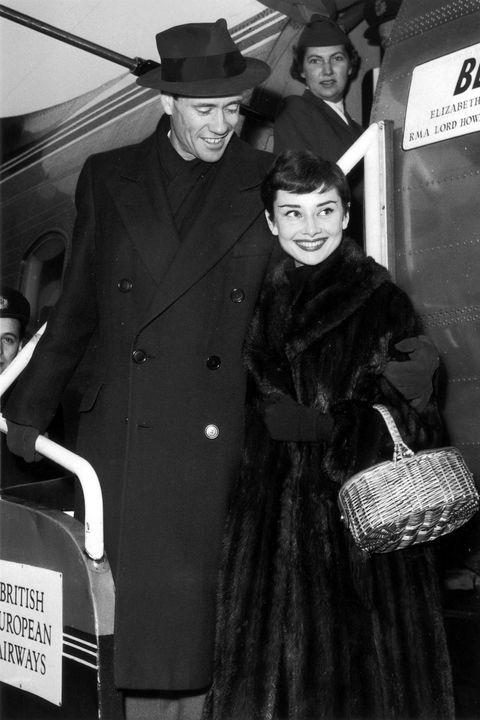 Costume, Monochrome, Black-and-white, Film noir, Style, Vintage clothing,
