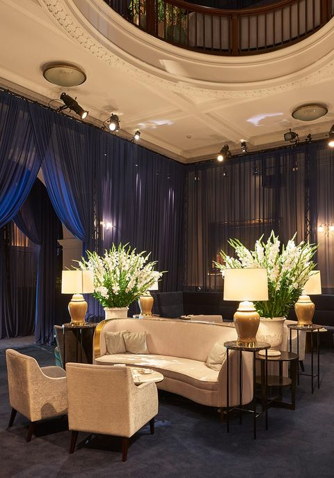 Interior design, Decoration, Ceiling, Room, Curtain, Property, Lobby, Lighting, Living room, Building,