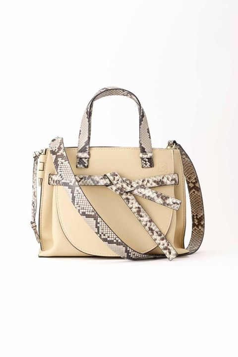 Handbag, Bag, Shoulder bag, Fashion accessory, Beige, Leather, Satchel, Design, Material property, Luggage and bags,
