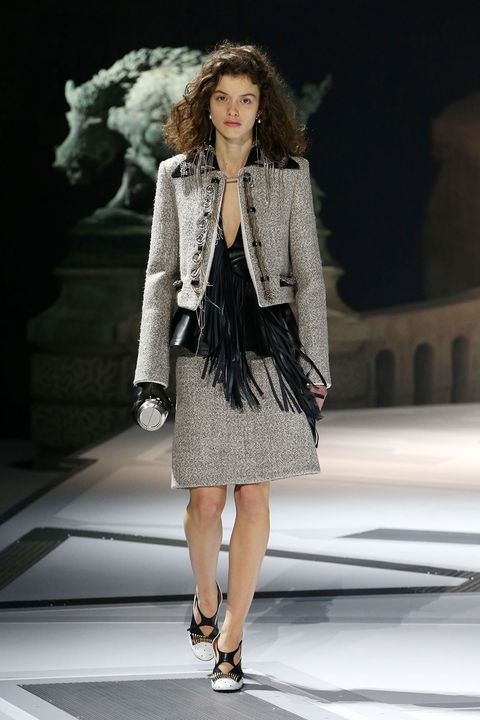 Fashion model, Fashion show, Fashion, Clothing, Runway, Fur, Fashion design, Outerwear, Public event, Haute couture,