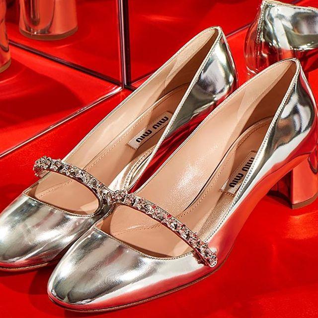 Footwear, High heels, Shoe, Red, Silver, Bridal shoe, Leg, Basic pump, Sandal, Metal,