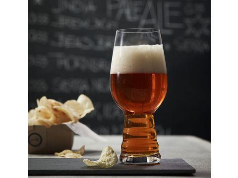 Beer glass, Drink, Drinkware, Alcoholic beverage, Beer, Glass, Alcohol, Distilled beverage, Lager, Wine glass,
