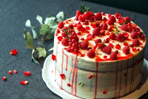 Food, Sweetness, Cake, Ingredient, Fruit, Dessert, Produce, Cuisine, Cake decorating, Garnish,