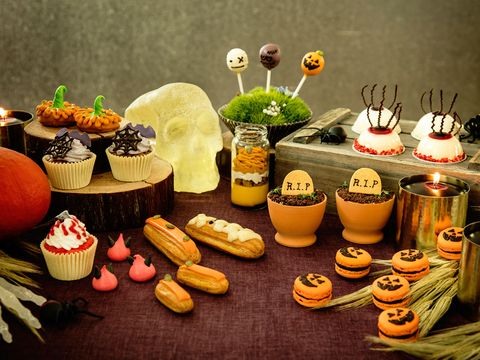 Sweetness, Food, Cuisine, Comfort food, Dessert, Garnish, Pâtisserie, Dish, Finger food, Petit four,