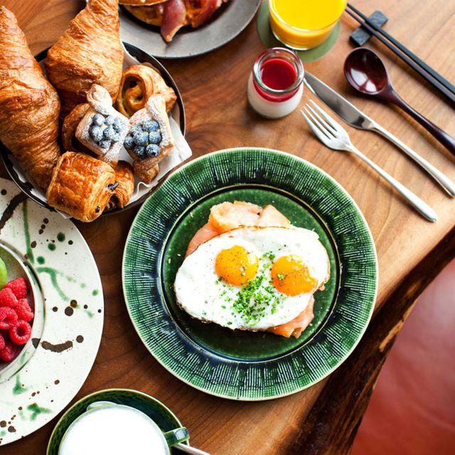 Dish, Food, Cuisine, Meal, Fried egg, Breakfast, Ingredient, Brunch, Comfort food, Poached egg,
