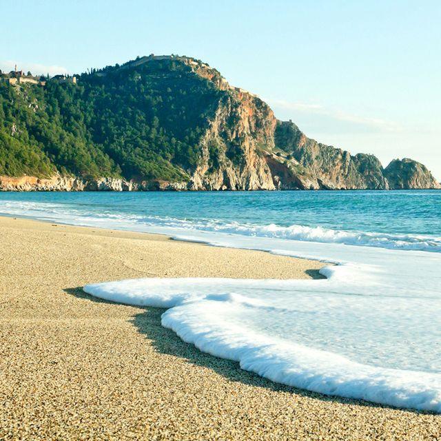 Body of water, Beach, Coast, Sea, Sky, Shore, Water, Ocean, Sand, Blue,