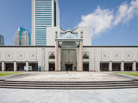 Landmark, Architecture, Building, Daytime, City, Urban area, Metropolitan area, Facade, Classical architecture, Courthouse,