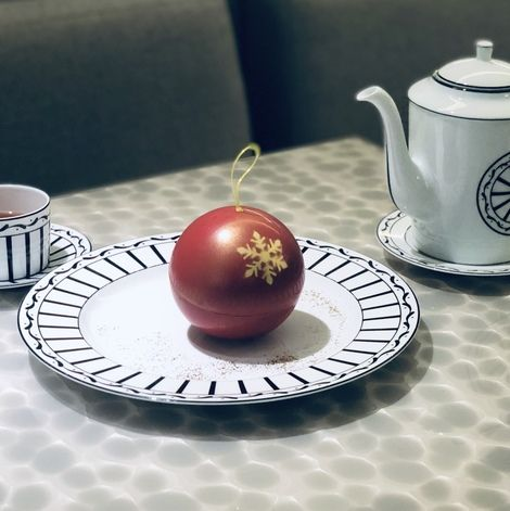 Porcelain, Saucer, Serveware, Tableware, Dishware, Table, Ceramic, Cup, Coffee cup, Cup,