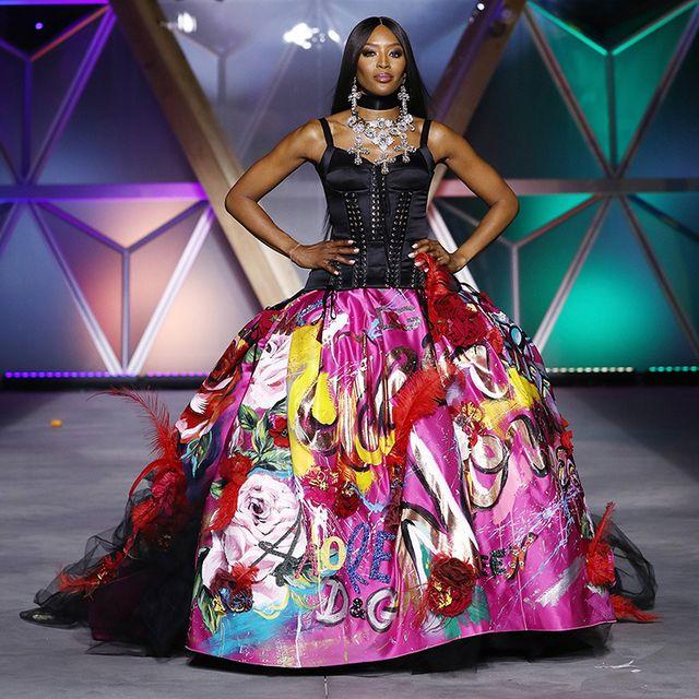 Fashion model, Gown, Dress, Clothing, Fashion, Fashion show, Haute couture, Formal wear, Purple, Event,