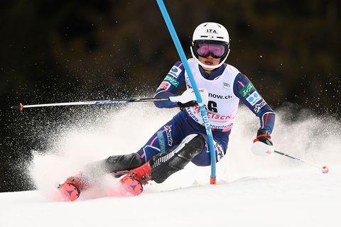Sports, Alpine skiing, Skier, Skiing, Slalom skiing, Ski, Freestyle skiing, Ski cross, Snow, Ski Equipment,