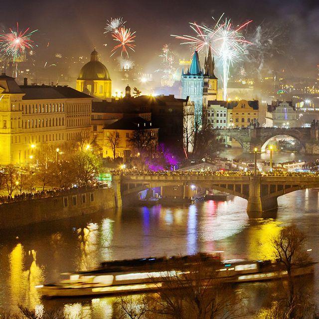 Reflection, Night, Landmark, Fireworks, City, Cityscape, Metropolitan area, Event, Fête, Architecture,