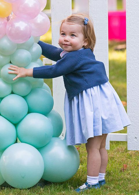 Human, Blue, Party supply, Balloon, Happy, Pink, Child, Purple, Baby & toddler clothing, People in nature,