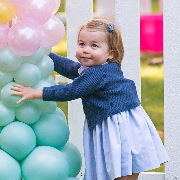 Human, Blue, Party supply, Balloon, Happy, Child, Pink, Baby & toddler clothing, Purple, People in nature,