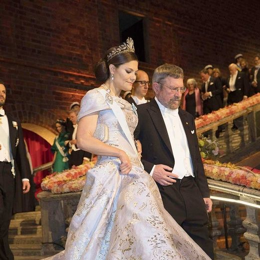 Event, Trousers, Coat, Dress, Suit, Outerwear, Formal wear, Bridal clothing, Gown, Tradition,