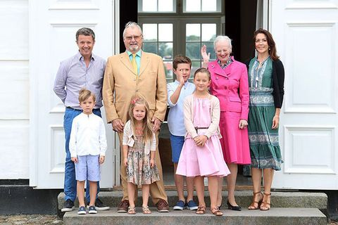 Clothing, Leg, People, Social group, Standing, Dress, Door, Grandparent, Family pictures, Family reunion,