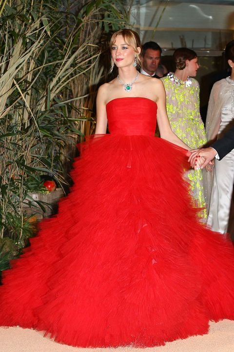 Clothing, Dress, Trousers, Shoulder, Strapless dress, Textile, Red, Formal wear, Gown, Fashion,