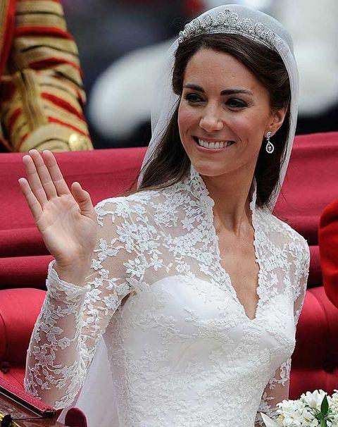 White, Headpiece, Beauty, Tiara, Skin, Hair accessory, Wedding dress, Dress, Bride, Arm,