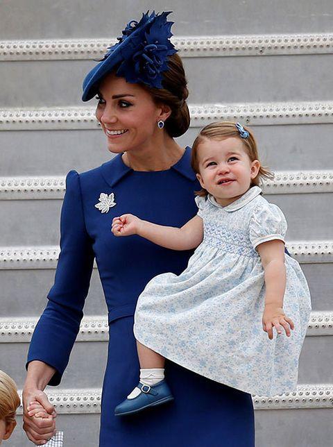 Blue, Child, Cobalt blue, Headpiece, Electric blue, Hair accessory, Fashion, Child model, Headband, Photography,