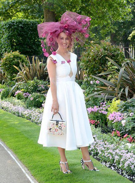 Clothing, Plant, Dress, Petal, Shrub, Textile, Garden, Pink, One-piece garment, Purple,