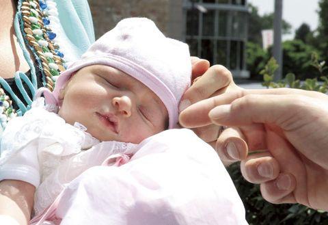 Child, Baby, Skin, Hand, Nose, Finger, Forehead, Eye, Toddler, Headgear,