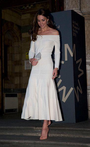Clothing, White, Shoulder, Dress, Fashion model, Fashion, Cocktail dress, Joint, Haute couture, Neck,