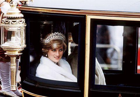 Crown, Headpiece, Headgear, Hair accessory, Tiara, Classic,