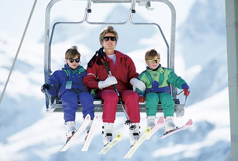 Eyewear, Vision care, Fun, Goggles, Recreation, Leisure, Winter, Winter sport, Outdoor recreation, Ski boot,