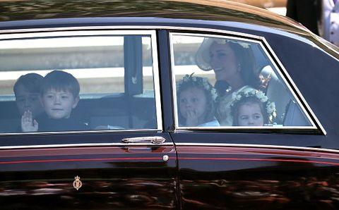 Land vehicle, Vehicle, Car, Motor vehicle, Luxury vehicle, Full-size car, Vehicle door, Classic car, Sedan, Classic,