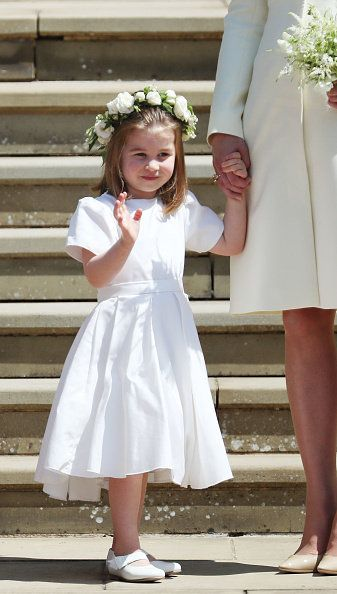 Child, White, Clothing, Dress, Bridal party dress, Hair accessory, Ceremony, Headpiece, Smile, Event,