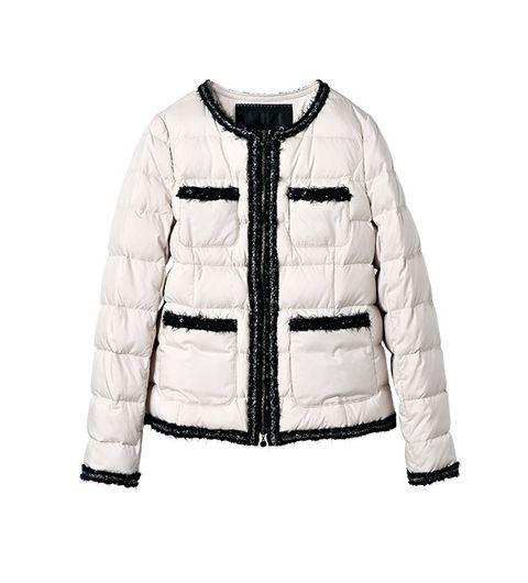 Clothing, Outerwear, White, Jacket, Sleeve, Hood, Beige, Fur, Coat, Zipper,