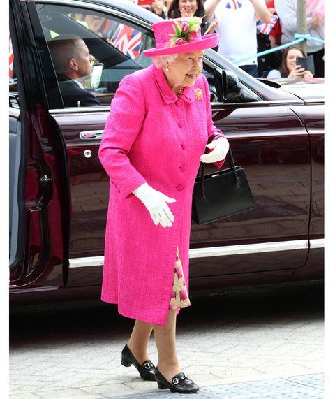 Pink, Clothing, Street fashion, Red, Magenta, Fashion, Snapshot, Footwear, Outerwear, Vehicle door,