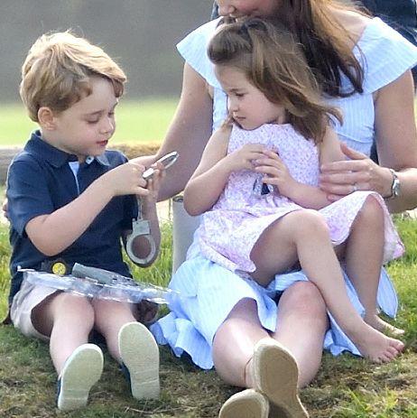 Child, People, Sitting, Leg, Grass, Summer, Fun, Toddler, Footwear, Play,